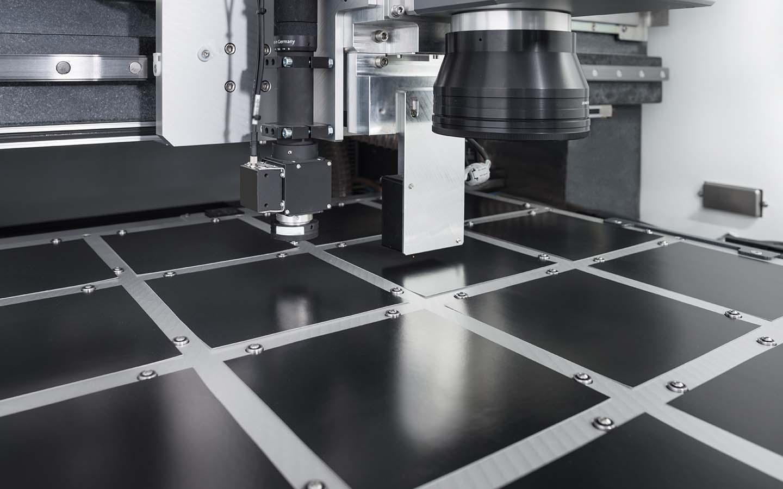 innolas-solutions-expego-lasermaschine-grosse-subtrate-03
