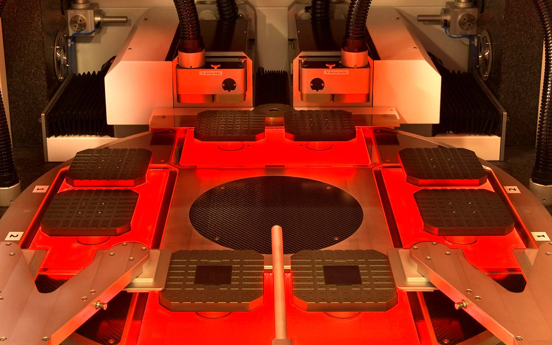 innolas-solutions-ultago-drehtisch-lasermaschine-01