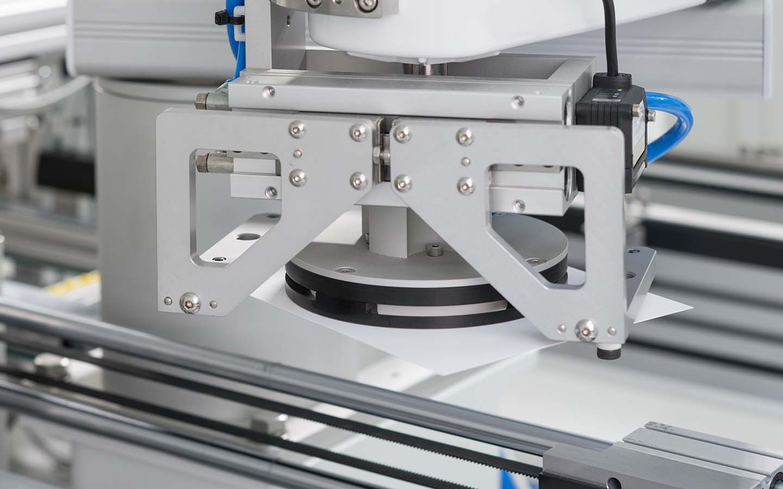 innolas-solutions-ultago-drehtisch-lasermaschine-03